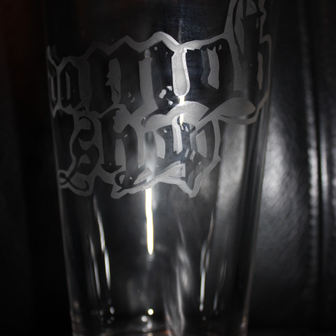 DaMobShop Engraved Pint Glass